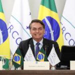 Presidente Jair Bolsonaro veta a obrigatoriedade de uso de máscaras em escolas e comércio